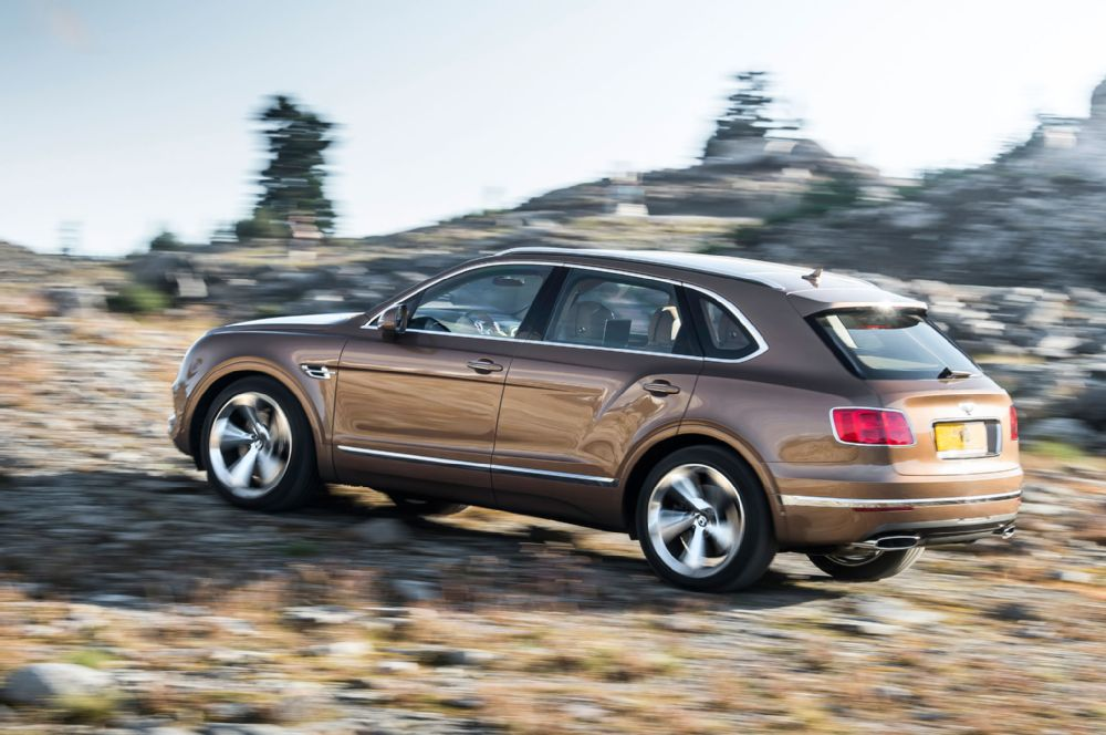 2017-bentley-bentayga-2