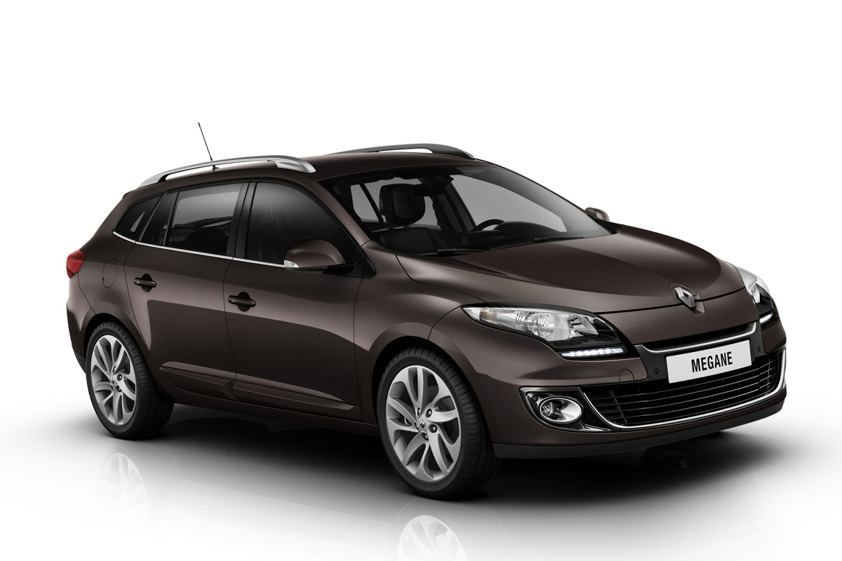 2012-Renault-Megane-Estate-front-three-quarters