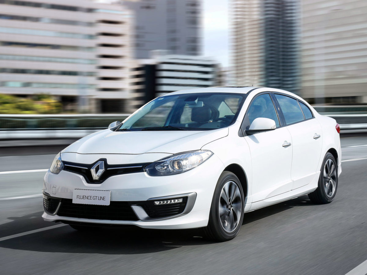 Renault-Fluence-Sedan-2015