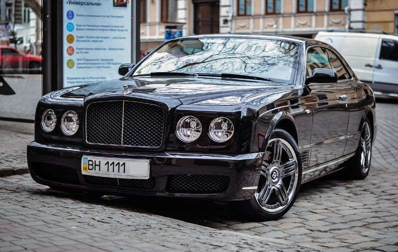 автомобиль bentley brooklands