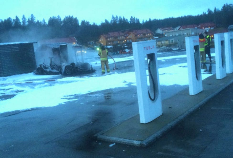 Tesla-Model-S-Fire-Station-Wreckage-Norway